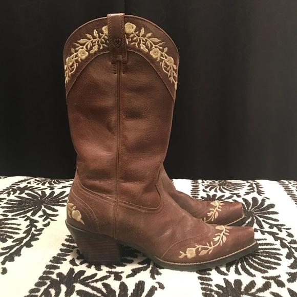 92f263c49a1 Ariat boho Cowboy boots